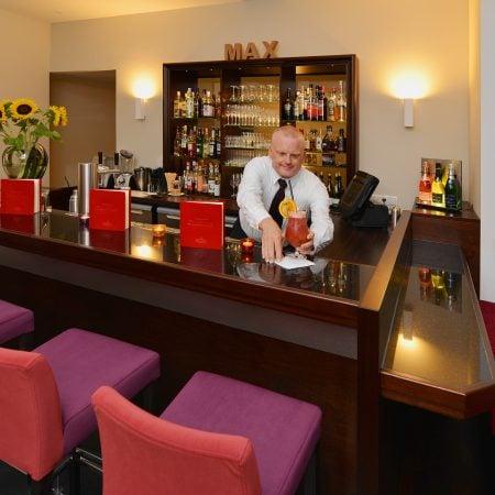 08 Brogsitter Romantik Hotel Bar e1554997425388