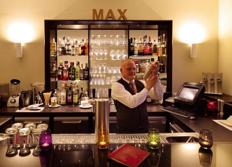 Romantik Hotel Bar 06 e1554997436375
