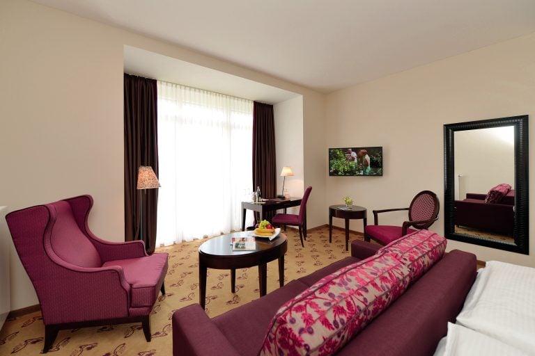 Romantikhotel Brogsitter Zimmer 02 e1543781143373