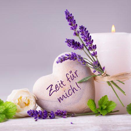 Zeit für mich  -  Duftende Deko aus Lavendel, Kräutern, Blüten und Kerze