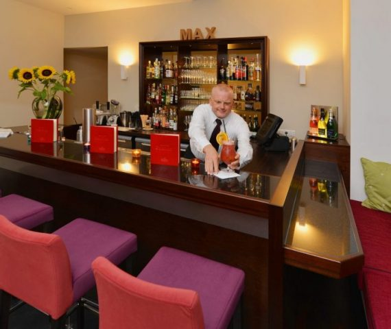 08-Brogsitter-Romantik-Hotel-Bar